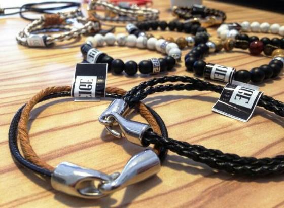 Beige: Produk Crafting Gelang dan Kalung Kekinian dari Samarinda