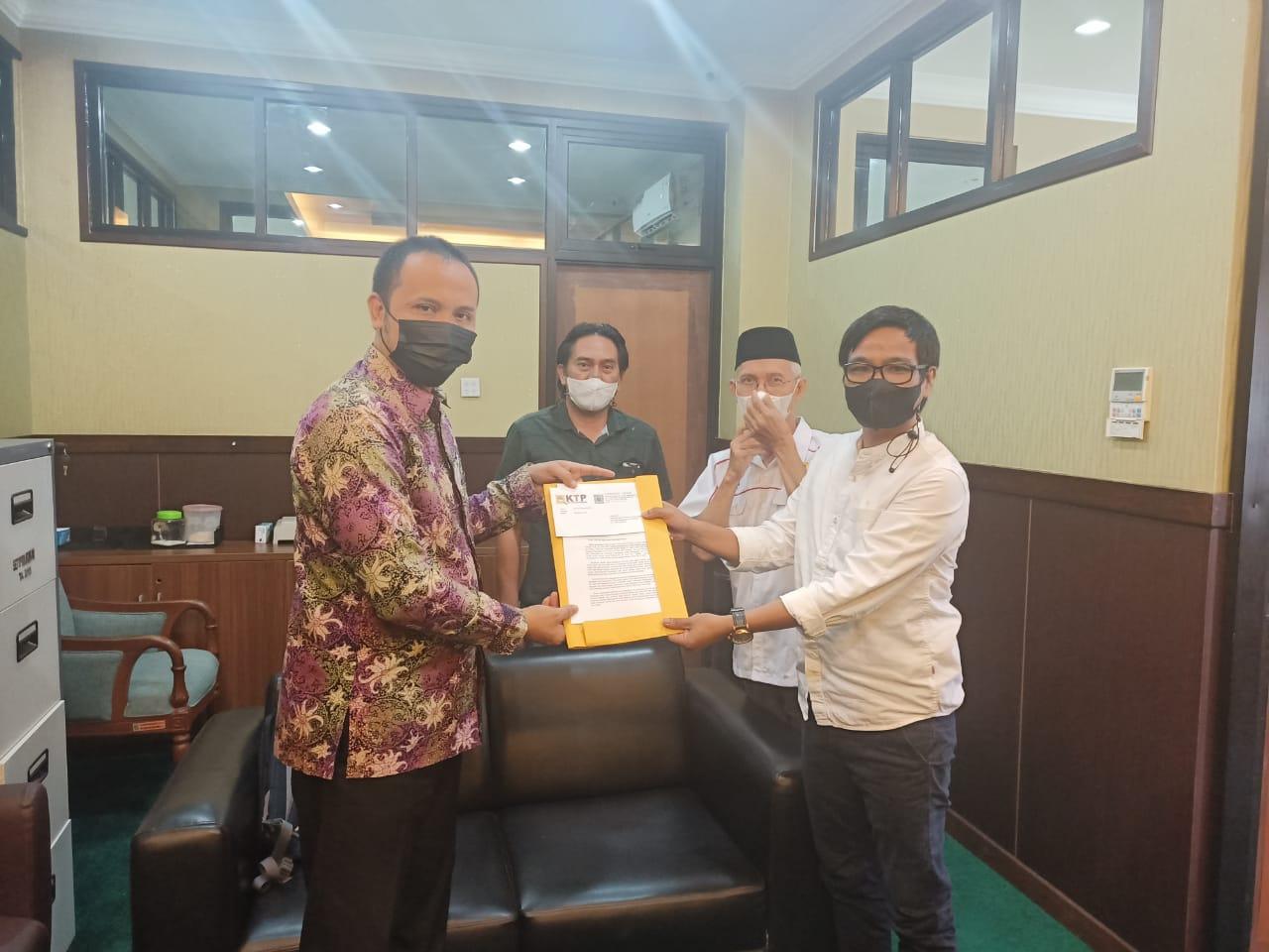 KTP dan Forum Rekanan desak DPRD segera adakan RDP terkait proses lelang LPSE – BLP Kukar yang diduga kental dengan konspirasi.