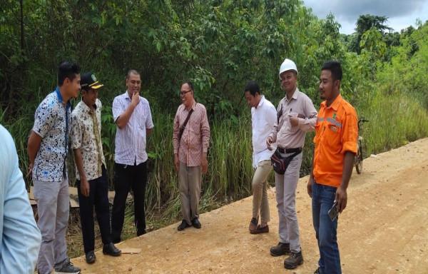 Pemkab Kutim Perintahkan Perusahaan Perbaiaki Jalan Rusak Menuju Desa Mata Air